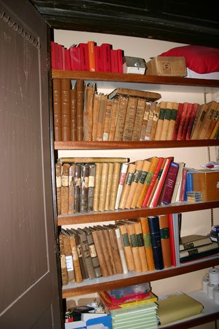 Cupboard of registres